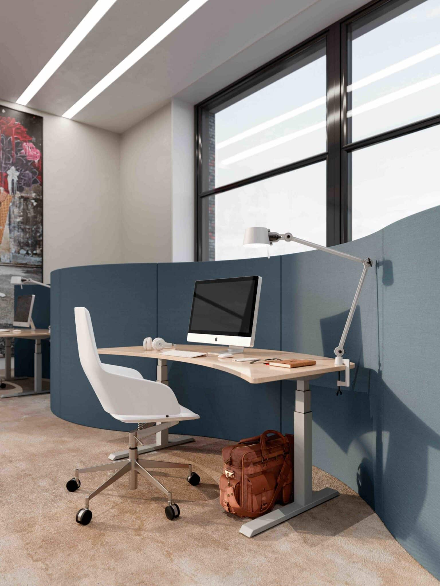 Actiforce SLS 470 Standing Desk in silver color with curved top