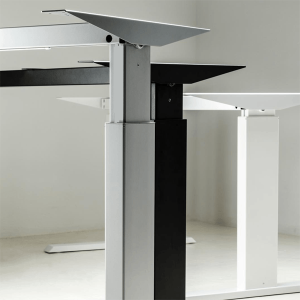 Product page 3 height adjustable table